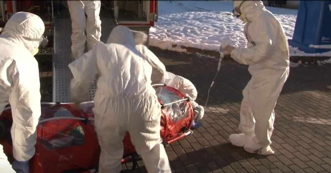 Coronavirusul a fugit din România după ce era să fie strivitsub o targă!
