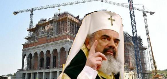 """Doar 2000 de șmecherivor intra la sfințirea Catedralei Neamului. """"Neamul"""" va sta afară, în ploaie"""