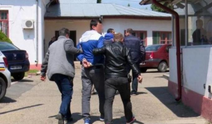 """Tot mai mulți români vor să intre la pușcărie: """"Aici e mai sigur. Afară ne fură PSD-ul!"""""""
