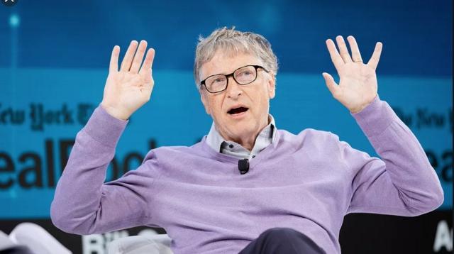Bill Gates îi imploră pe pensionarii din România să nu se mai fâțâie atâta între Lidl şi Penny,că îi ocupă prea mult spațiu pe server!