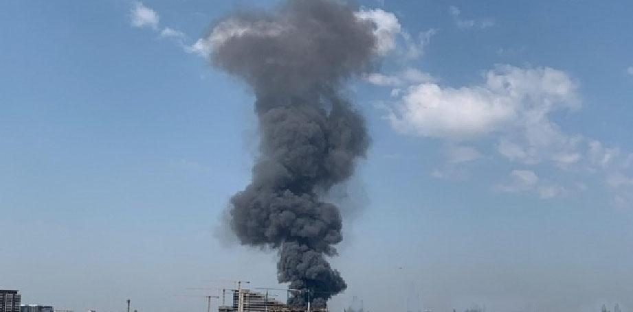 Incendiu cu final fericit la o fabrică de mezeluri: nitriții din salam au fost stinşi de apa din crenvurşti!