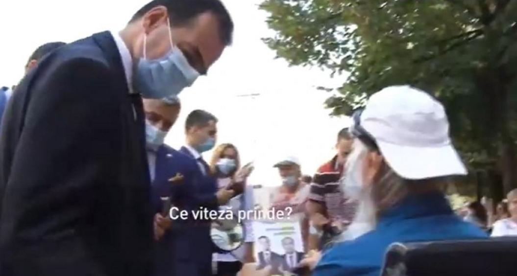 Orban a întrebat o persoană cu nevoi speciale ce vitezăprinde căruciorul cu rotile!Voia să întrebe şi dacă poți conduce beat!
