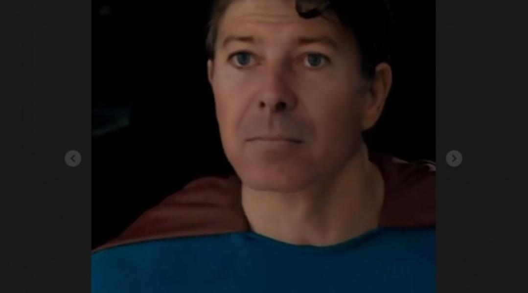 Florin Cîțu, favorit la alegerile pentru funcția de șef de salon la Obregia după ce a postat un film cu el în chip de Superman
