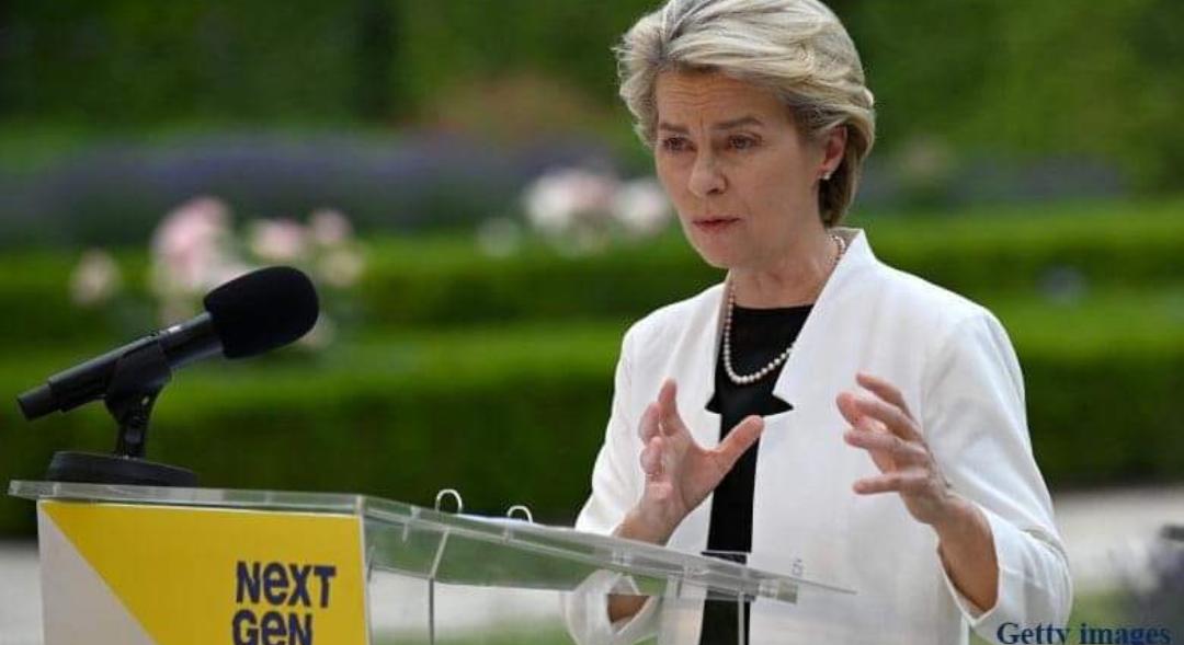 """Ursula von der Leyen: """"I love you, Budapest! Și felicitări că l-ați schimbat pe Viktor Orban cu Cîțu!"""""""