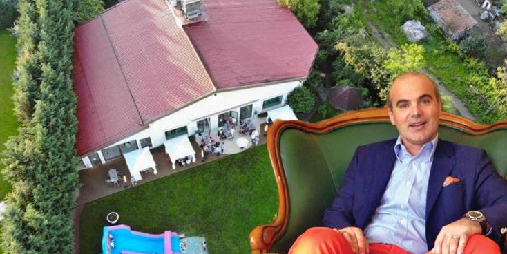 Rareş Bogdan a aniversat ziua fiicei cu 100 de invitați într-un restaurant din Cluj. Ăştia de la PNL au voie să încalce legile, că ei le încalcă cinstit!