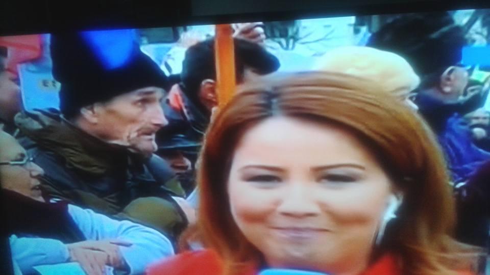 Live de la bășina Antenei 3: 10 lucruri de la cel mai penibil protest din istoria României