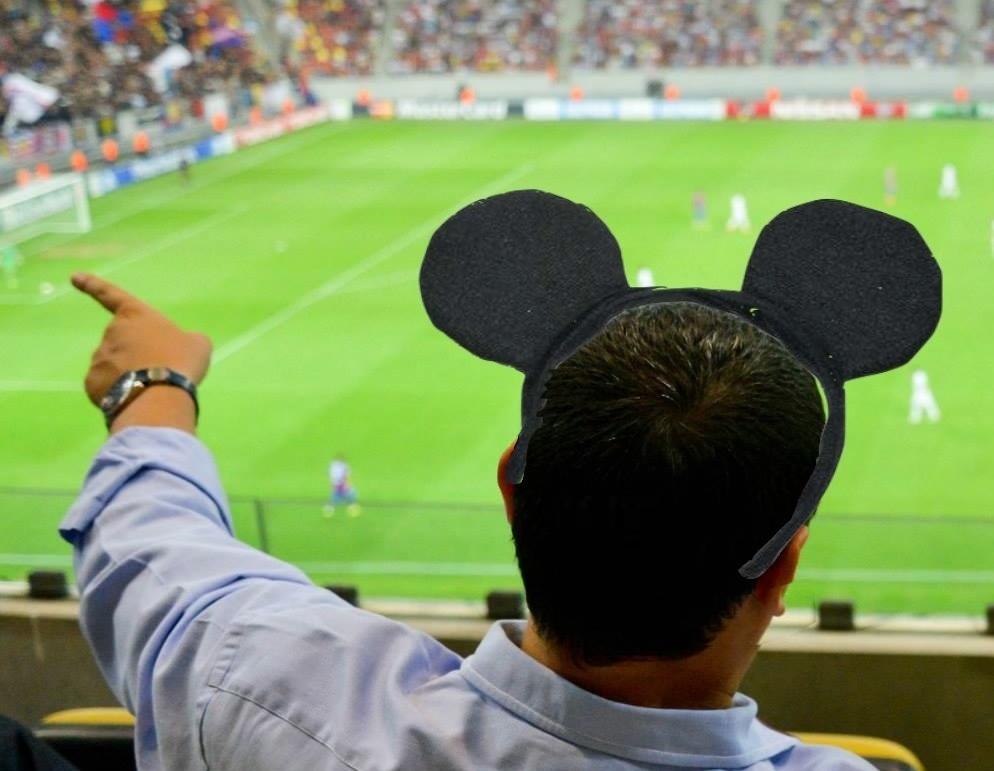"""Petiție online: Victor """"Ghinion"""" Ponta, nu mai veni pe stadion!"""