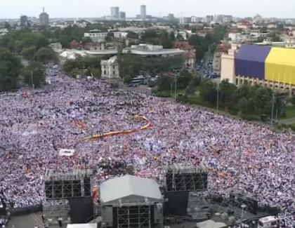 """Azi s-au împlinit 3 ani de la marele miting PSD din Piața Victoriei, cunoscut şi ca """"Autocariada"""". La mulți ani, Liviule, şi cu această ocazie"""