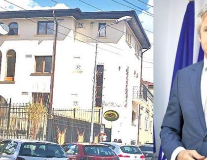 Vila lui Orlando Teodorovici. Omul n-a lucrat o zi la privat. Cîțu la pușcărie!
