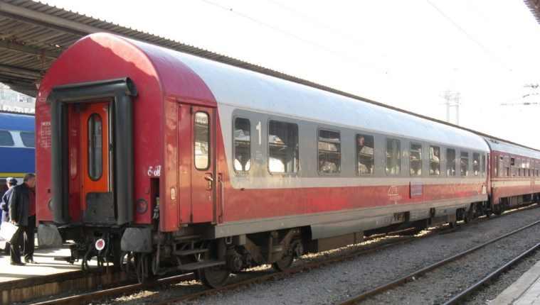 Gara de Nord: Un tren a ajuns la timp după ce a reușit să scape de locomotivă!
