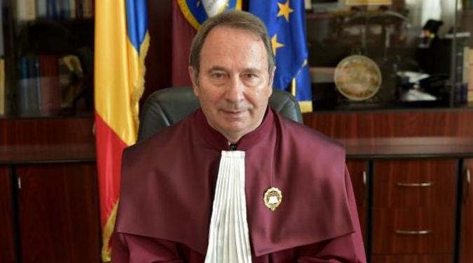 """Dorneanu: """"Nicăieri în Europa nu sunt criticate deciziile curților constituționale."""" Ok, dar noi avem CCR rusească, nu europeană"""
